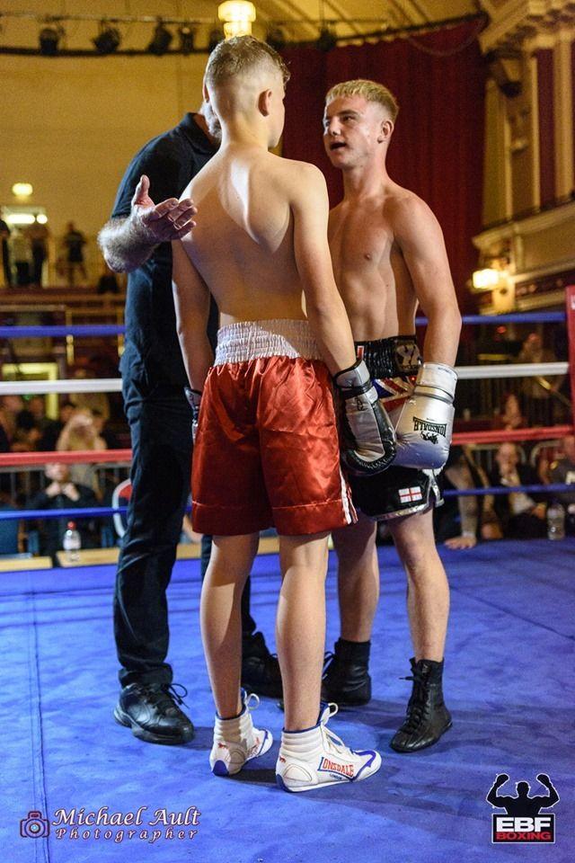 Coach Buhdas Boxing Fighting Old Carolina Boxing Boxing Fight Fight Coach