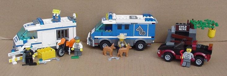 Lego City Police Dog Van set 4441 Plus Prisoner Transport set 7286 Both complete