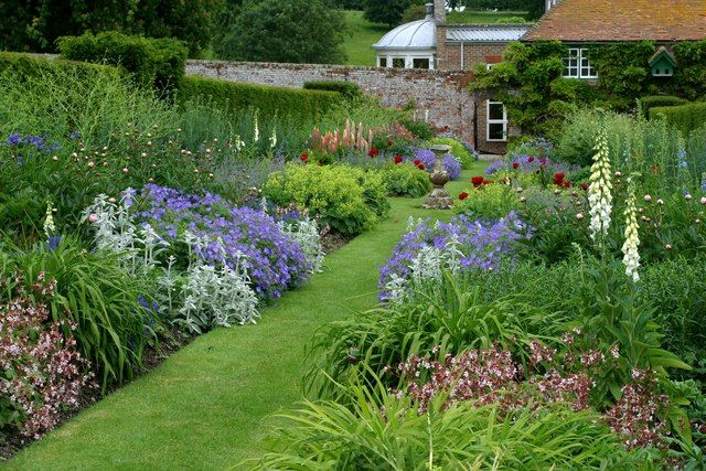 1000 images about garten garden on pinterest gardens delphiniums and garden borders - Perennial flowers for borders visual gardens ...