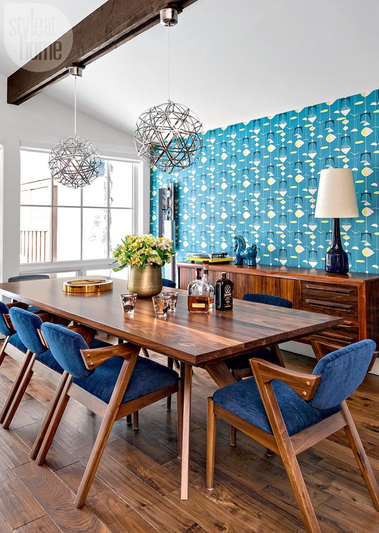 Teal and blue mid century modern cabin dining room decor - I spot a vintage Lotte lamp!!