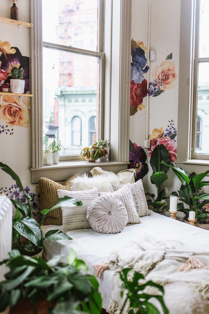 » bohemian life » boho home design + decor » nontraditional living » elements of bohemia » #clecticdecorvintage #InteriorDesignContemporary #eclecticdecor