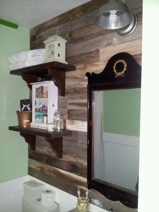 Pallet bathroom wall decorating ideas pinterest for Bathroom ideas made from pallets