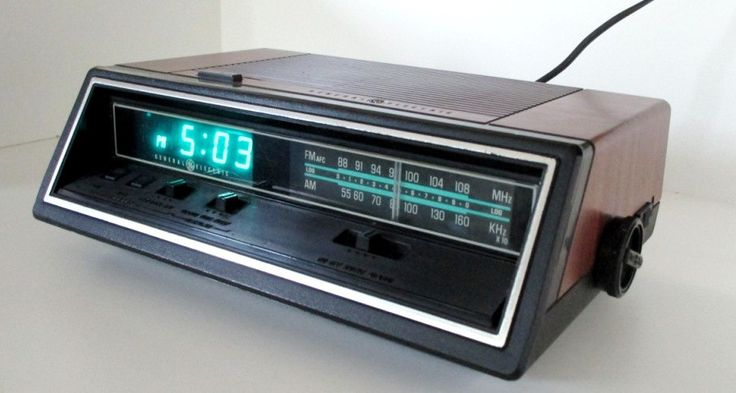 New to lingerawhile on Etsy: Vintage General Electric Digital Clock Radio (36.00 USD)