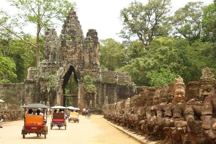 Dada a extensão e complexidade de Angkor Wat, decidimos comprar o bilhete de três dias e, assim, dormir quatro noites em Siem Reap.
