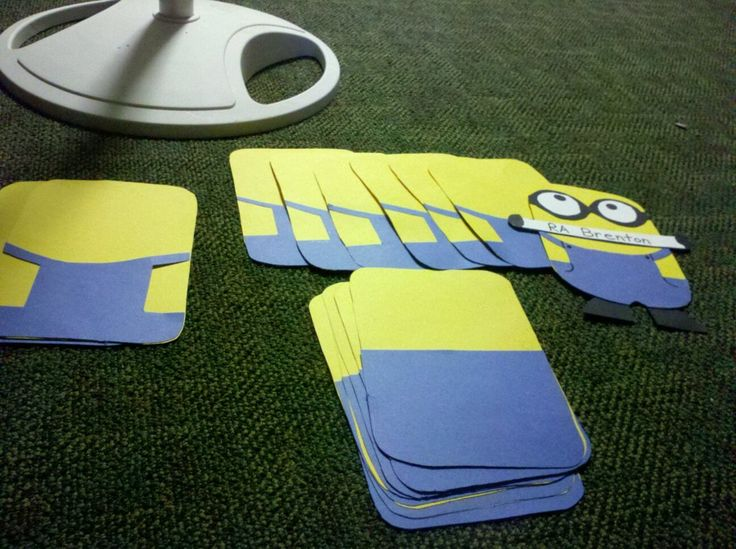 cocaineandhookers: Working on my Minion Door Decs for my residents!!