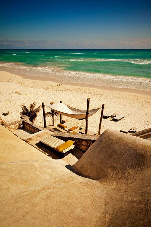Une terrasse face à la mer, hôtel Coqui Coqui, Mexique © Matthieu Salvaing