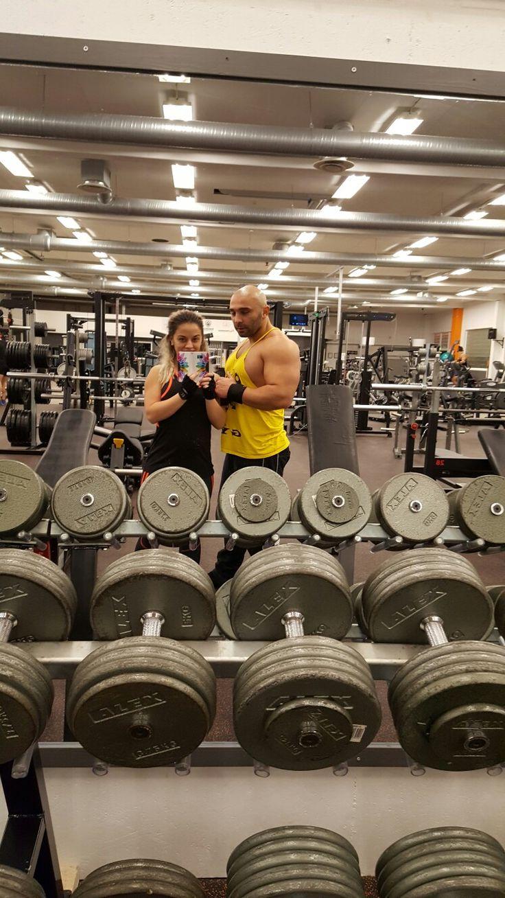 Träining med min man. @target_sports_ 💪  #fitness #workout #exercise #gym #bikinifitness