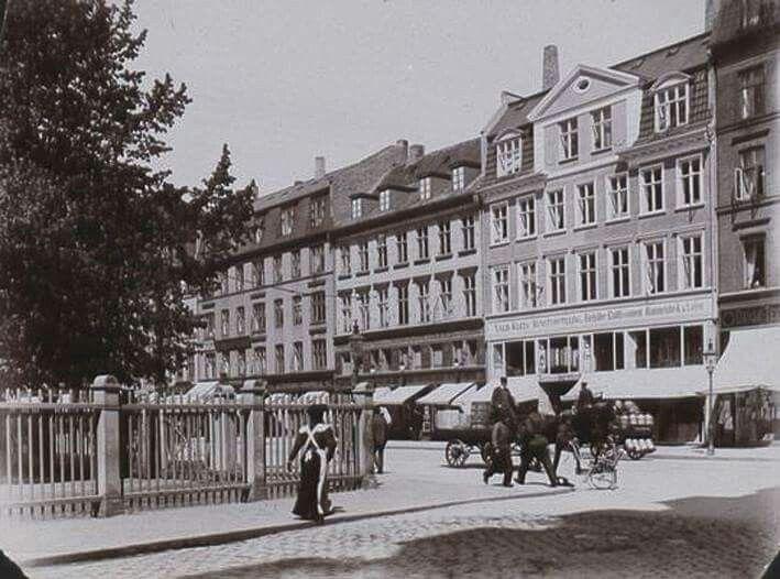 Hjørnet af Vesterbrogade - Absalonsgade ca. 1900