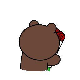 Brown apresenta Cony com um buquê de flores