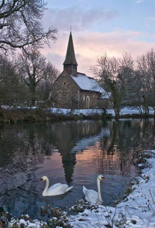 A great country setting! Looks like the ideal country church setting.