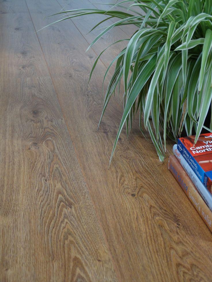 Op zoek naar een tweedehands vloer waar de randen niet (!) vanaf breken? Kijk eens op Tweedehandslaminaat.nl