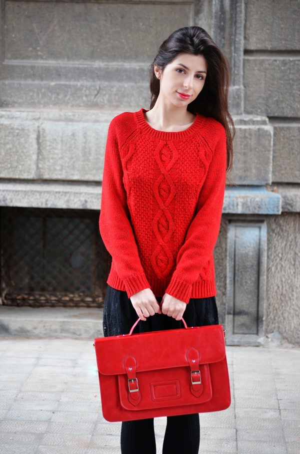 Tokyo and Seoul Dreams, Laura and her red Meli Melo satchel bag
