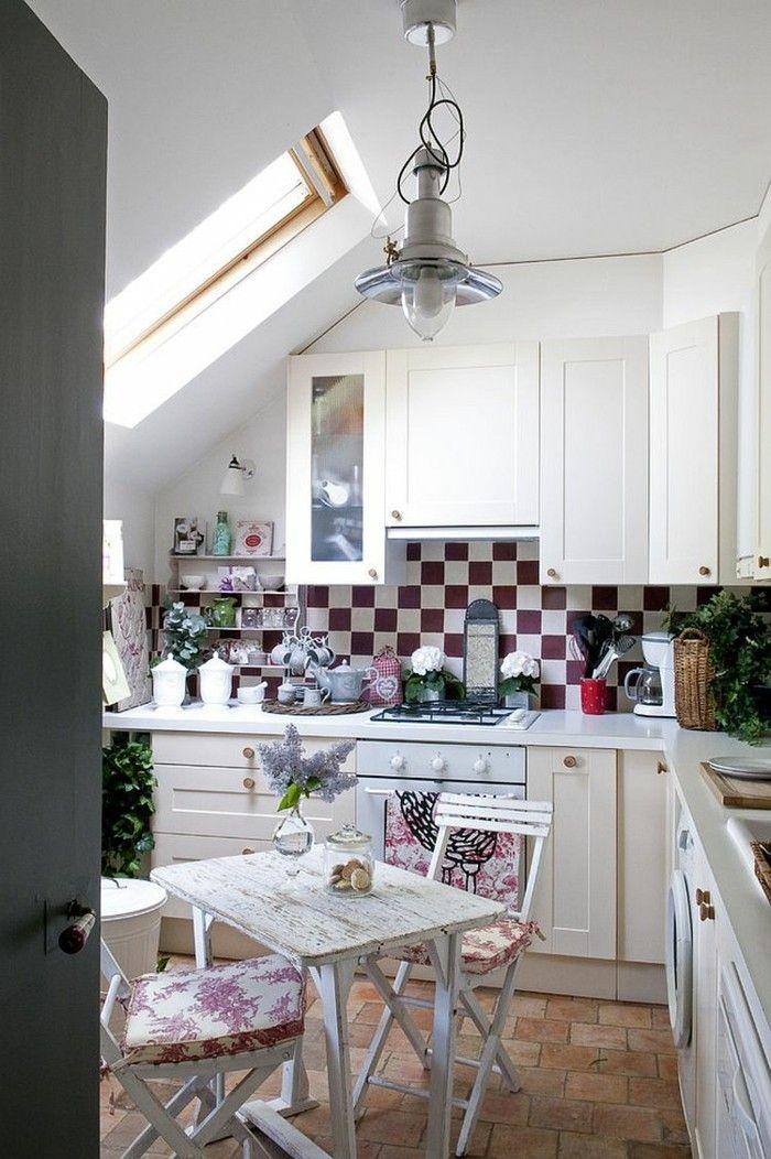 Dachgeschosswohnung kücheneinrichtung mansarde dachschräge deko - küche in dachschräge