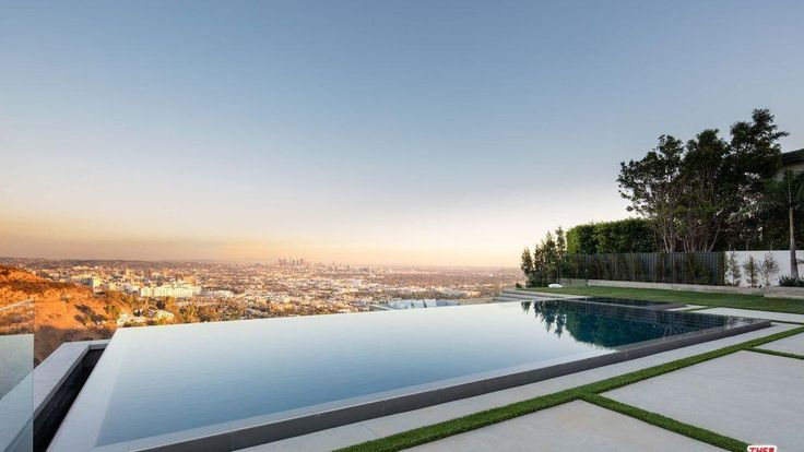 "Jeremy Piven, an actor, known for his role as Ari Gold in ""Entourage"" recently purchased a home in Hollywood Hills West for $6.8 million."