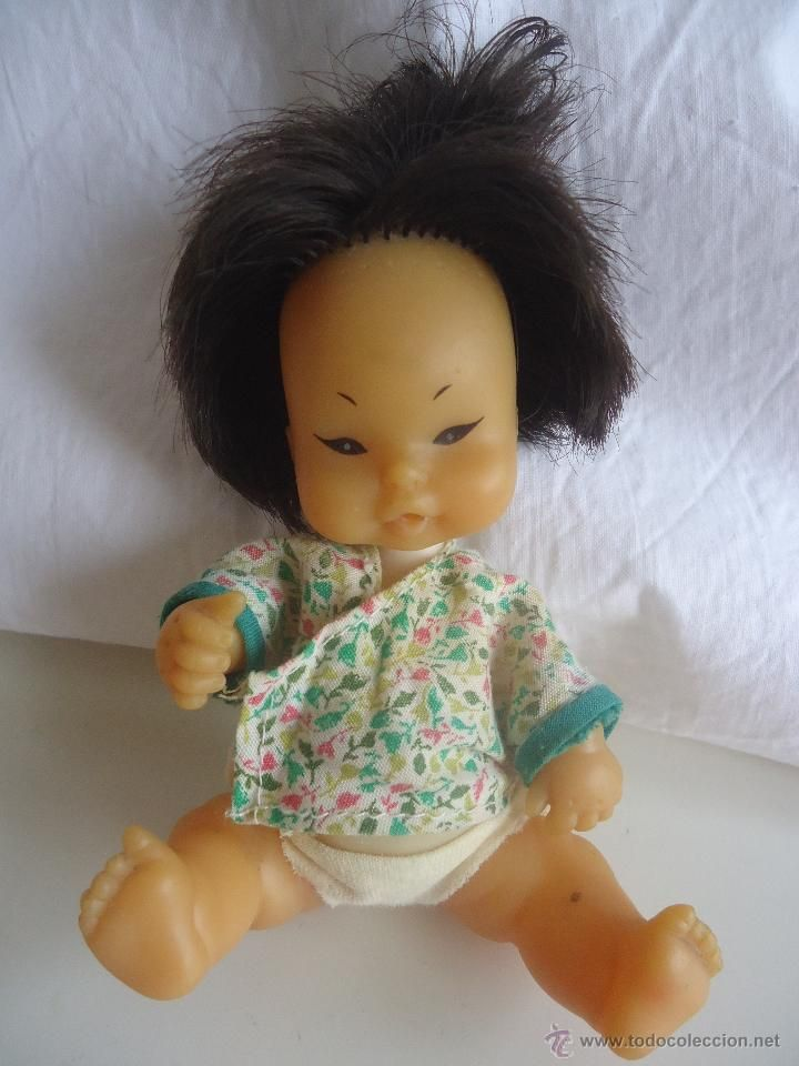 Barriguita china u oriental muñeca Famosa antigua