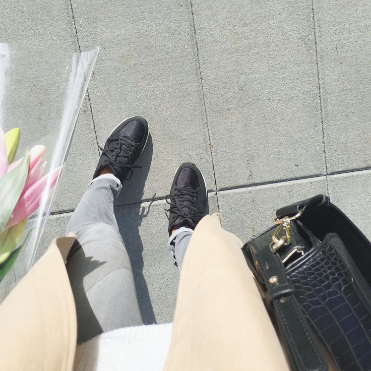 "My style: Zara sneakers, Zara mock croc bag, Rag and Bone skinny jeans, Babaton ""Lawson"" trenchcoat, Talula sweater #theonlyspot #aritzia #dailylook #dailyoutfit #fashion #fashiondiaries #lookbook #mystyle #myaritzia #NowhereEverywhere #ootd #outfit #ootdwatch #style #stylegram #styleinspo #streetlook #streetstyle #streetfashion #wiwt #whatiwore #zara"