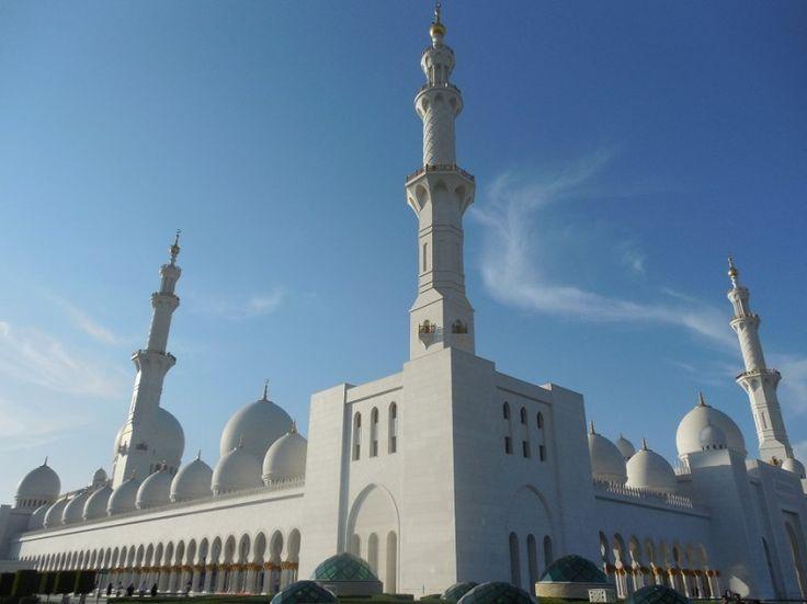 Abu Dhabi la grande moschea / The great mosque of Abu Dhabi.