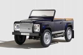 blogmotorzone: Land Rover Defender Spectre Stunt Car.Land Rover Defender Spectre Stunt Car. Este es el Land Rover Defender Spectre Stunt Car el todo terreno que conduce el malo malísimo en la última película del Agente menos secreto del Reino Unido, Spectre... Para leer más visita: http://blogmotorzone.blogspot.com.es/2015/09/land-rover-defender-spectre-stunt-car.html