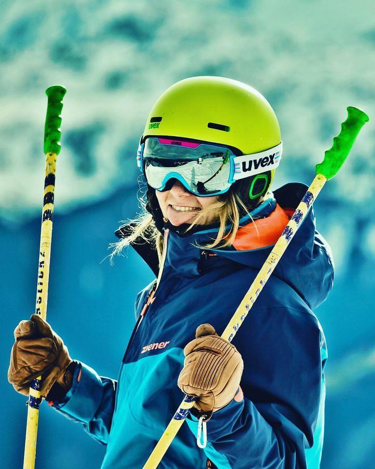 Enjoy the good times  *** credit to @alenapaschke #skiing #girlswhoski #girlsday #uvex #sickstickz #hestra #hestragloves #ziener #skiingday #bluebird #tirol #tyrol #mountainlife #mountaingirls #outdoorwomen #alpinebabes #kitzbühel #hahnenkamm #home #lovetyrol #austria #girlwithdreads #friendsday #skiinstructor #loveski #loveaustria #uvexsports #canon #photographerslife #alps