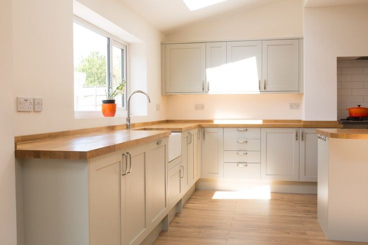 Howdens Greenwich Grey Shaker Used but Excellent condition with an Island, Sale, READY FOR COLLECTION NOW RJ0516TH - Used Kitchen Exchange