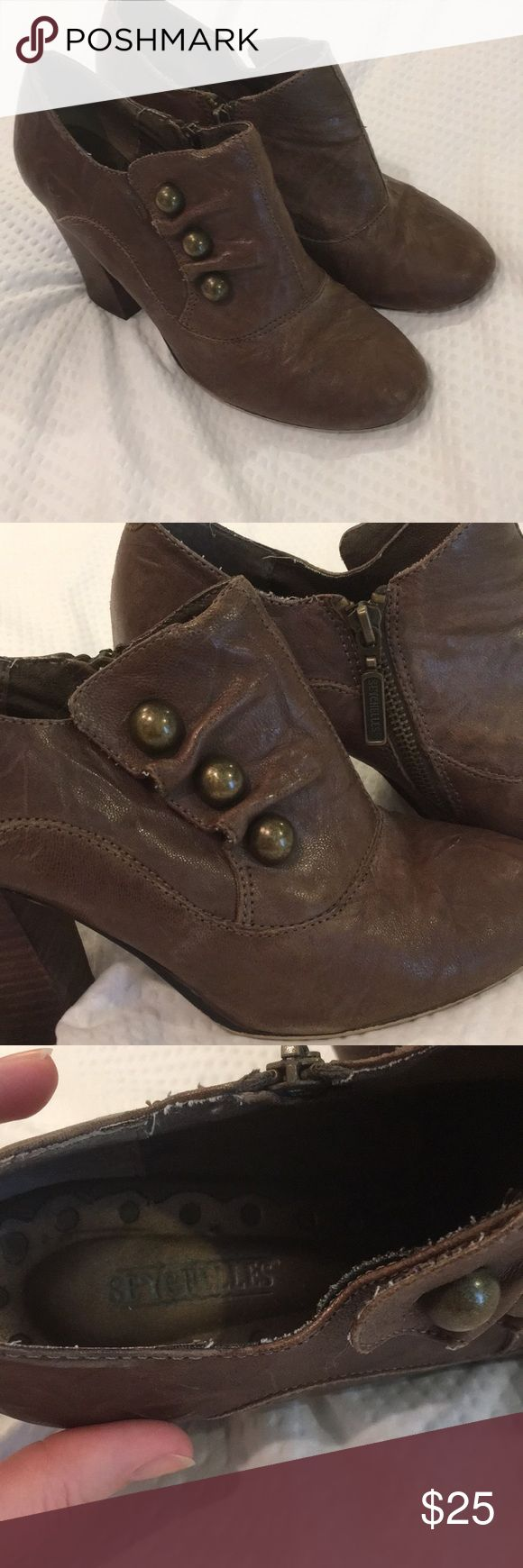 Seychelles perfect brown boots booties 8.5 Seychelles brown leather booties with side zip brass buttons and stacked heel. Size 8 1/2, these run pretty true to size in my opinion maybe slightly generous? See pictures for condition, definitely some scuffs but the patina on these, with the kind of wrinkled leather kind of makes any wear  blend right in! I love the vintage vibe with the brass buttons. Looks good with jeans or skirts and they are comfortable! Make them yours, and check out my…