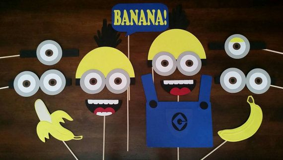 Minions!! Banana!! Photo Booth Set Check out this item in my Etsy shop https://www.etsy.com/listing/242745010/12-piece-minions-photo-booth-props