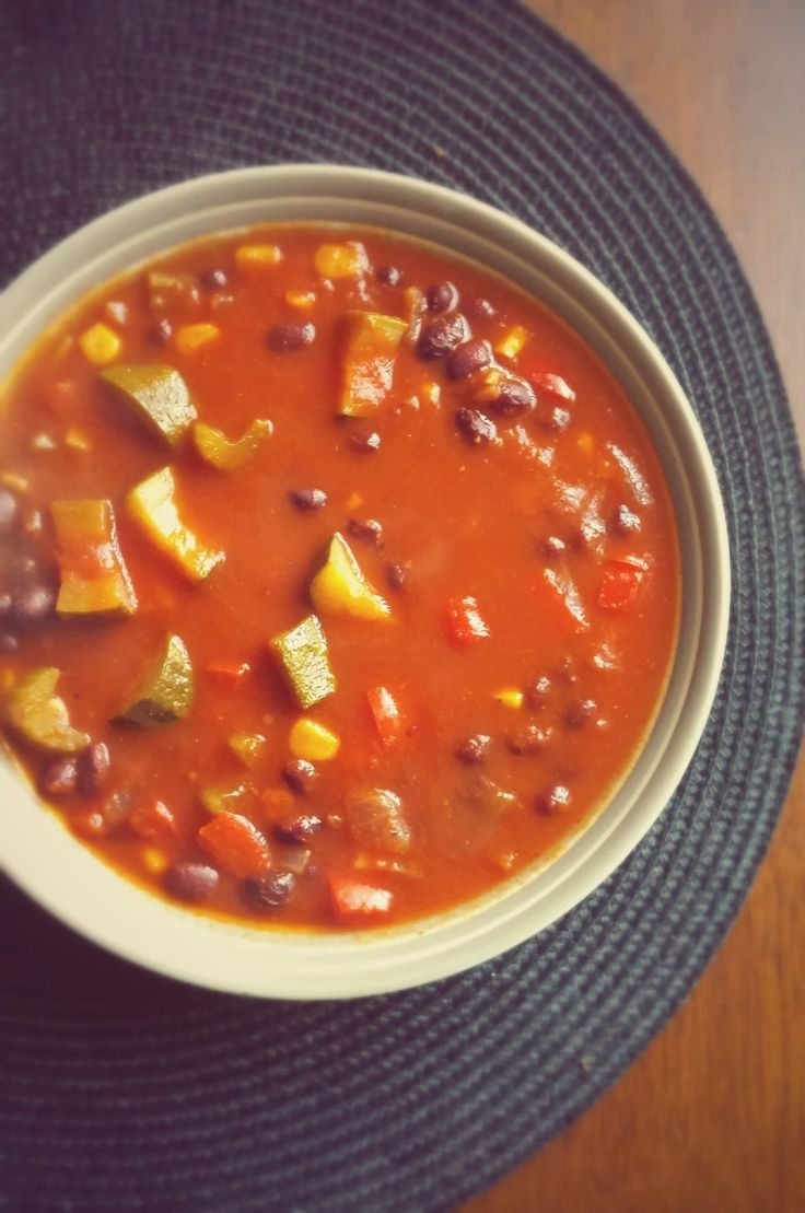 Everything you could possibly love about a hearty bowl of comforting #chili in a #soup!
