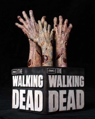 The Walking Dead Logo Bookend: Toys & Games