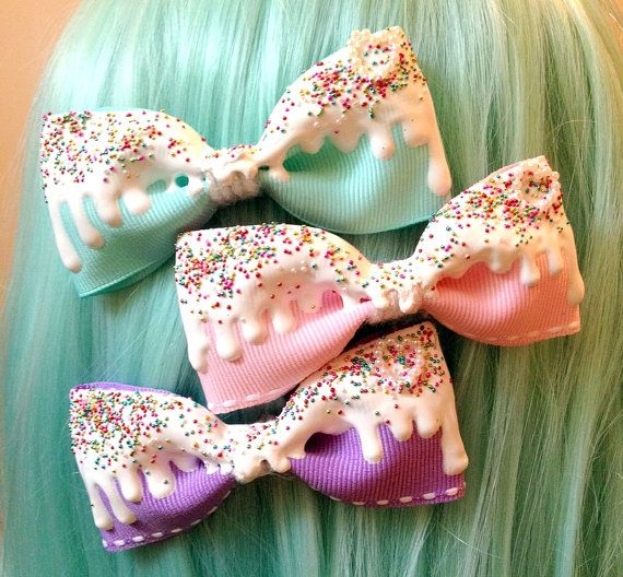 Fairy Kei Lolita White Icing Bow: This is such a clever thing to make. Perfect for your Fairy Kei outfit.