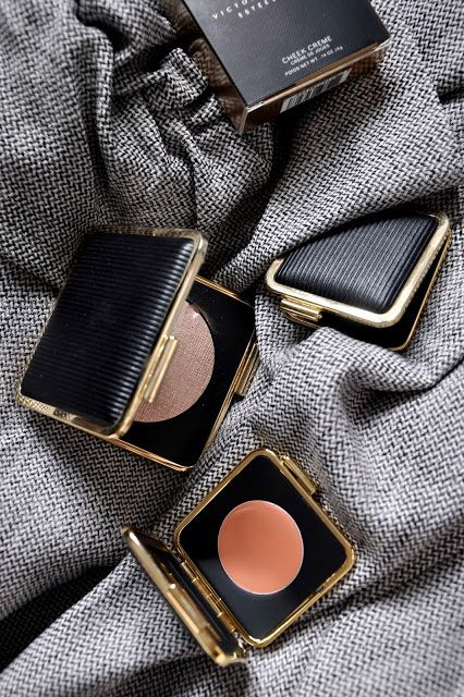 Estee Lauder, Victoria Beckham x Estee Lauder, beauty blogger, highlighter, flatlay, cream blush,