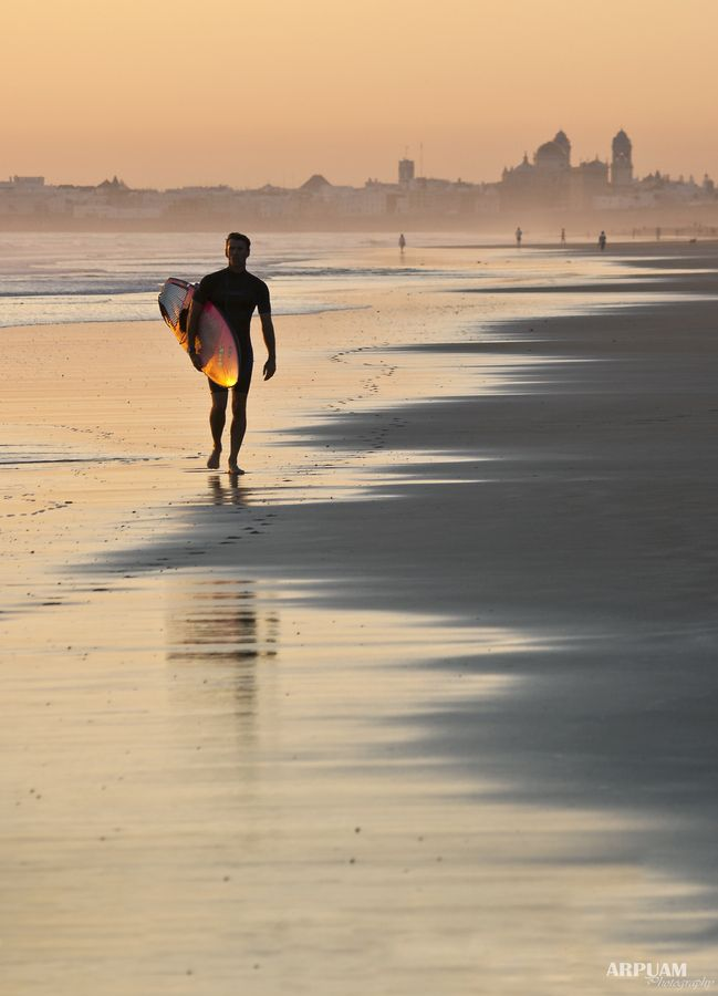Do you like surfing? Cadiz is a perfect place