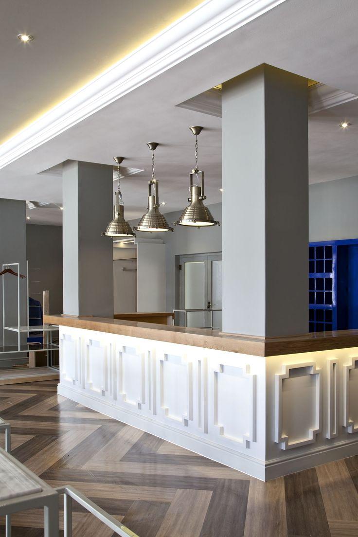Pro Shop   Golf   Retail Design   Display   High gloss blue   Shop   Blue   Wood   Glass   Marble   Oak   Clubhouse   De Zalze   Etienne Hanekom Interiors