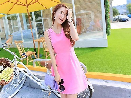 ชุดเดรสสั้นสีชมพู แขนกุด คอกลม เอวเข้ารูป สวยน่ารัก  http://www.fashiontooktook.com/product/3269/