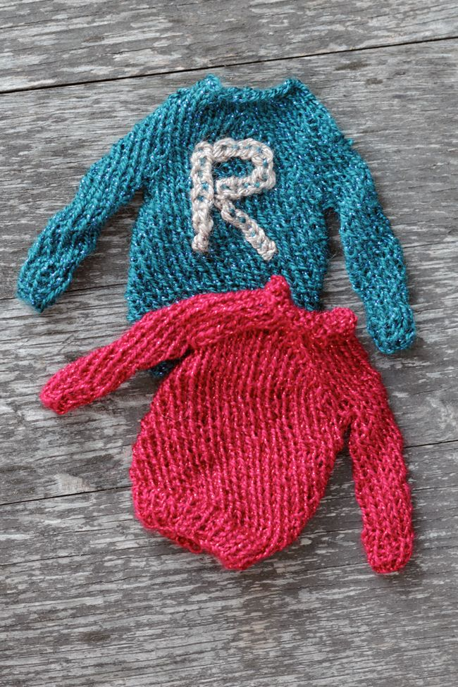 FREE Mini Harry Potter Sweater Pattern at handsoccupied.com knitting & ...