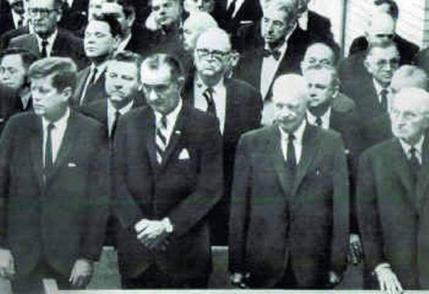 JFK, Johnson et Eisenhower.