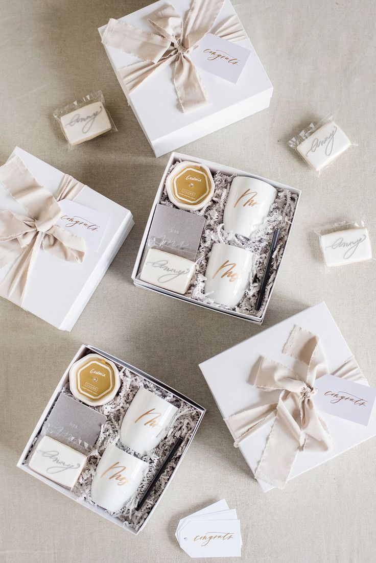 CUSTOM CLIENT GIFTS Marigold & Grey creates artisan gifts for all occasions. Wedding welcome gifts. Workshop swag. Client gifts. Corporate event gifts. Bridesmaid gifts. Groomsmen Gifts. Holiday Gifts. Click to order online. Photo: Red October Photo