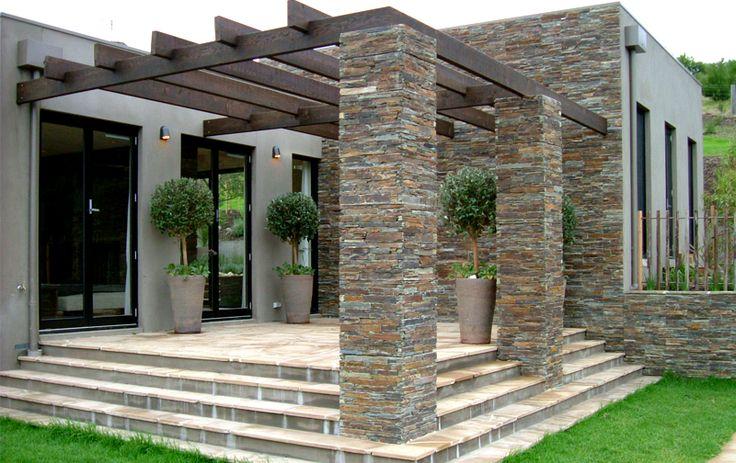Fotos revestimientos exteriores piedra buscar con google for Patios con piedras