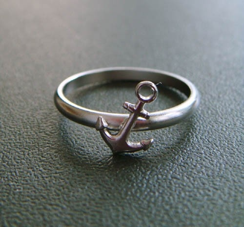 pretty silver anchor ring $30