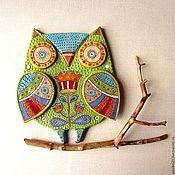 Купить или заказать Декоративная керамическая Сова в интернет-магазине на Ярмарке Мастеров. Сова сделана полностью в ручную.Будет украшать ваш интерьер и радовать яркими красками.С сзади есть петелька . Работа выполнена по моим эскизам. _______________ СОВА – хранительница счастья в Вашем доме. Сова - китайский символ мудрости, она охраняет от неразумных помыслов и денежных потерь : нерациональных вложений, растрат, краж. Часто можно встретить изображение совы на денежном дереве.