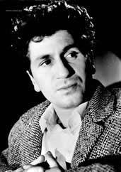 Marcel André Mouloudji, né le 16 septembre 1922 à Paris et décédé le 14 juin 1994 (à 71 ans) à Neuilly-sur-Seine, est un chanteur, compositeur et acteur français. Marcel Mouloudji est le fils d'un Kabyle, Saïd Mouloudji né en 1896 dans le village de Leflaye...