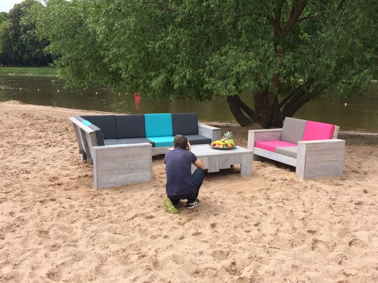Das WITTEKIND Lounge Ecksofa am Weserstrand in Minden.