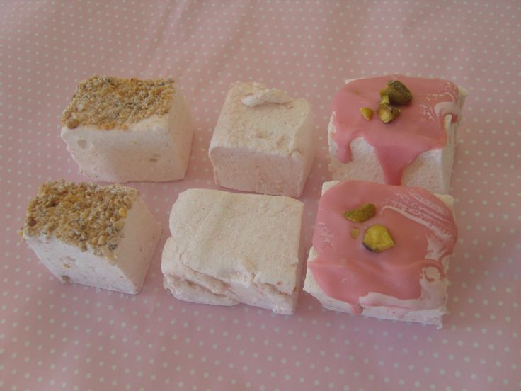 Strawberry Marshmallows with different toppings. www.kitchenfairiesleeds.co.uk