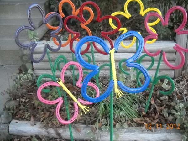 Horseshoe Flowers & Butterflies Metal garden art