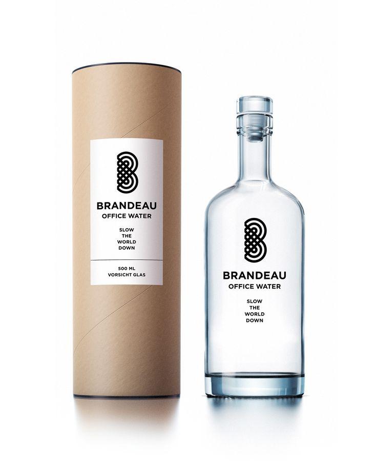 http://www.brandeau.ch I Brandeau Office Water. Slow The World Down Edition. Stylish swiss glasbottles to refill tap water at home or in the office. #brandeau #brandeaubottles #wasser #water#wasserflasche #wassertrinken #wassergenuss#hahnenwasser #stilleswasser #flasche #karaffe#wasserkaraffe #glasflasche #schweizerwasser #tapbottle#tapwater #bottledesign #design #waterbottledesign #waterbottle #packaging #packagingdesign #verpackung #verpackungsdesign