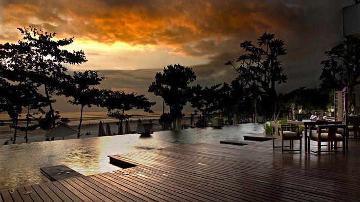 Infinity pool at Anantara Seminyak Resort & Spa, Bali