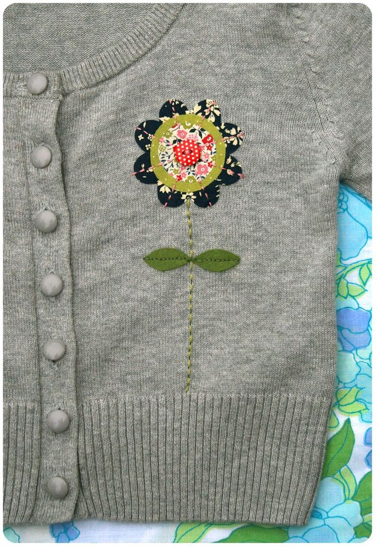 Very cute flower applique:) DIY add something pretty to a plain sweater