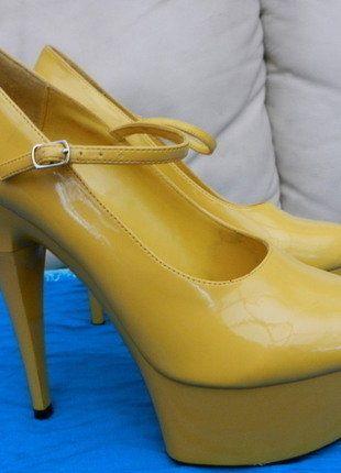 À vendre sur #vintedfrance ! http://www.vinted.fr/chaussures-femmes/escarpins-and-talons/26688167-escarpins-plate-forme-haut-talon-sexy-jaune-vernis-t40-nitelife-sexypinup