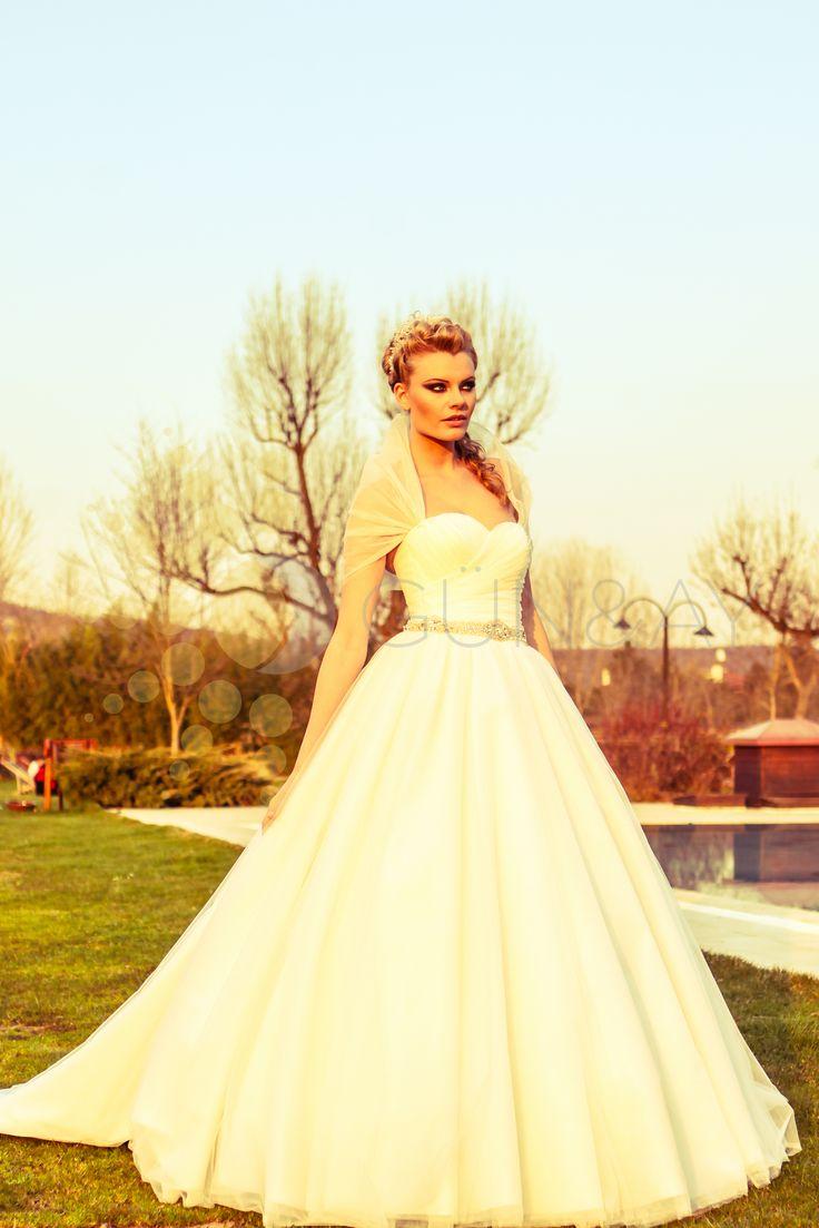 #gelin #gelinlik #dugun #gelinlikmodelleri #gelinlikler #gelinlikmodeli  #gelinlikistanbul #wedding  #bride #weddingdress #weddinggown  #marriage  #bridaldress #bridalgown #günaygelinlik