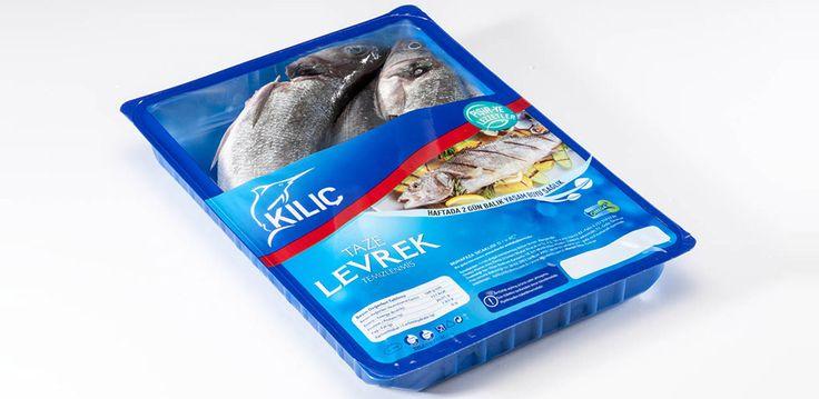 Taze Temizlenmiş Levrek Bütün Kullanım: Değişik pişirme şekilleri uygulanabilir (fırında, ızgarada, tavada, tuzda). Beslenme faktörleri: Levrek iyi bir protein kaynağıdır, aynı zamanda Omega 3 açısından zengindir.