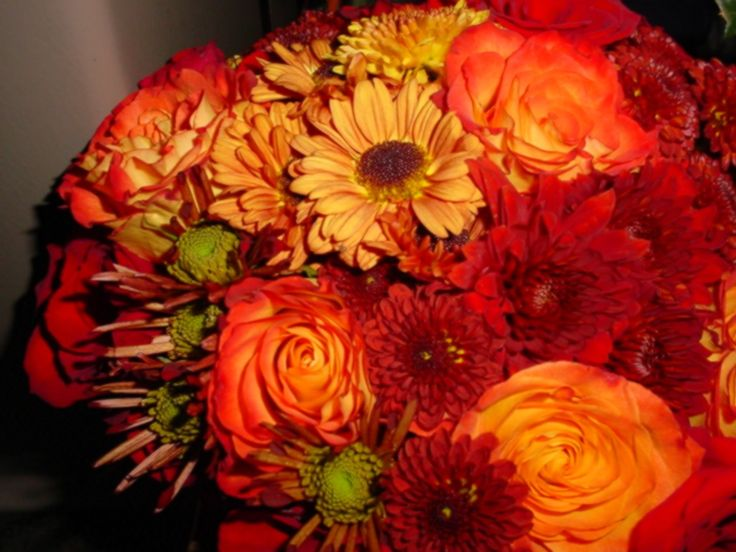 Fall flowers for weddings fall wedding bouquets 2010 Places to have a fall wedding